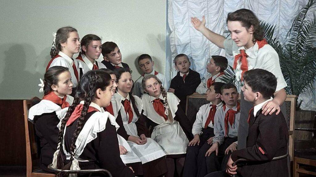 Что на самом деле творилось в советских школах: детям читать не стоит
