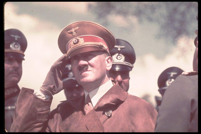 Секрет трусов Гитлера: почему они у него были всегда ниже колен