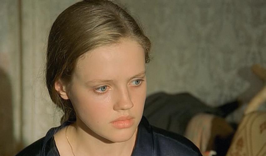 Помните скромницу Катю из «Ворошиловского стрелка»? Что с ней стало после фильма