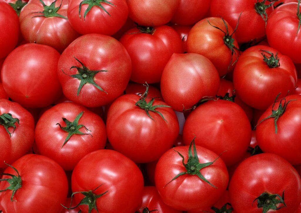 Кардиологи рассказали как правильно есть помидоры, чтобы снизить риск инсульта на 55%