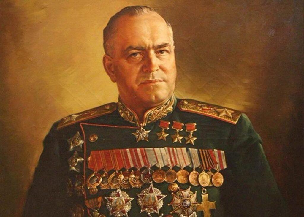 Рассекречено настоящее досье на маршала Жукова