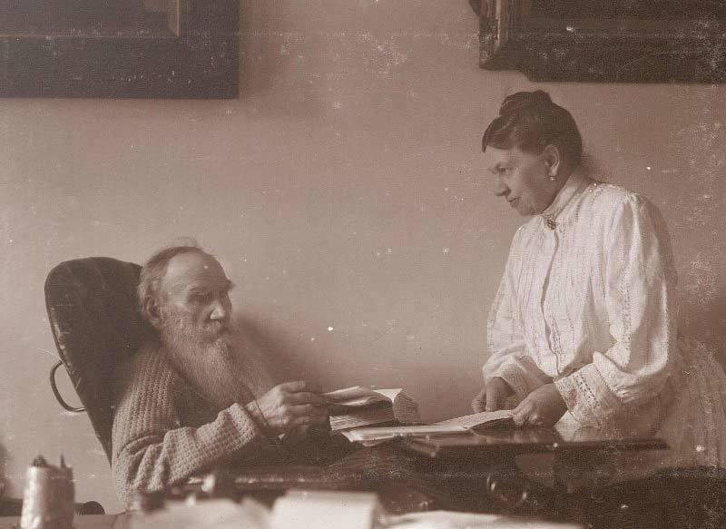 Стыдные факты из жизни Толстого, от которых многие покраснеют