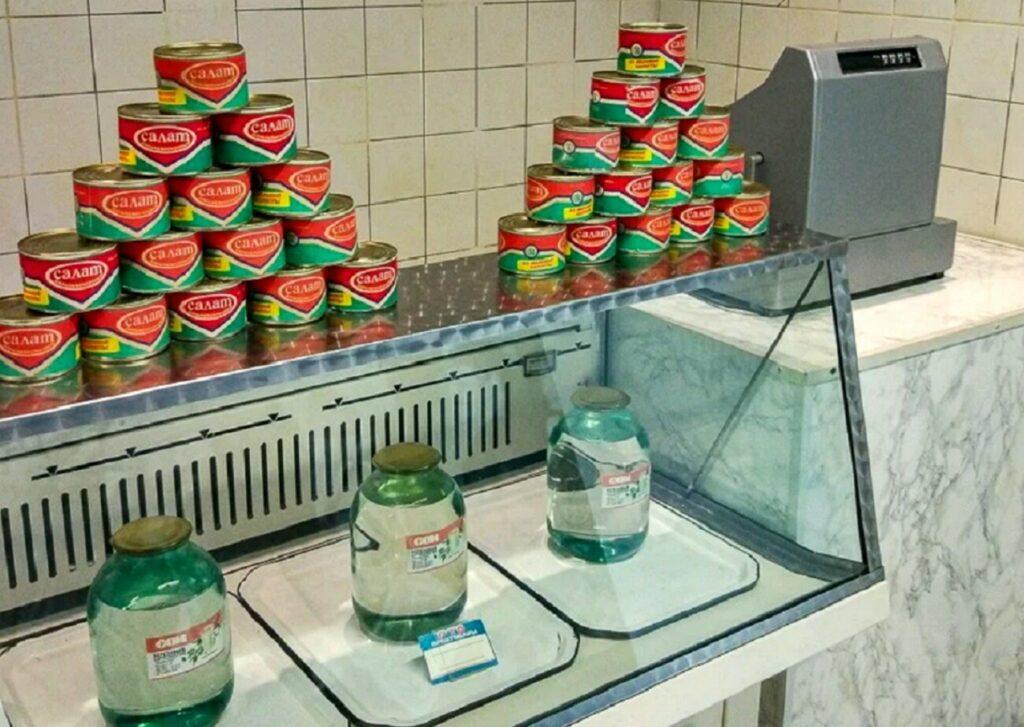 Все в СССР пили березовый сок, даже не догадываясь из чего его делали