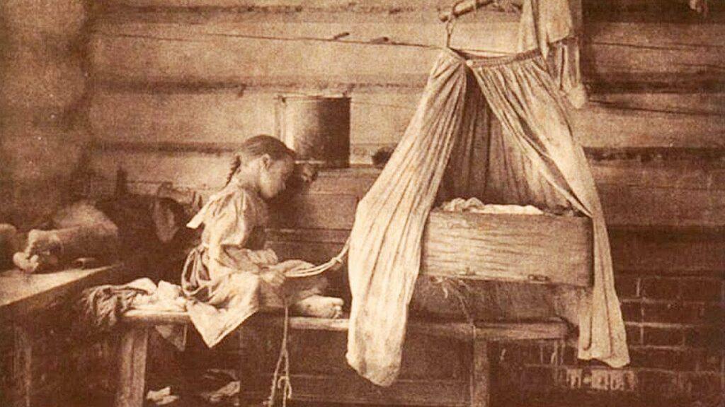 Как мертвая женщина родила ребенка в гробу